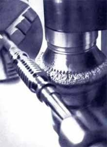 POLIMAG - Polishing of working surfaces of coils of worm shafts and screws - Equipment sample